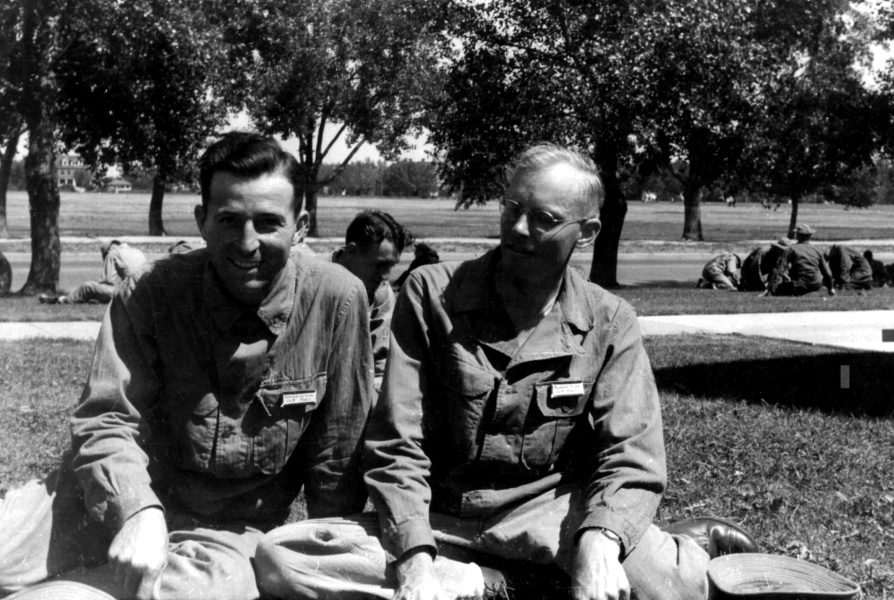 1942-09 Ken and Rudi at Ft. F. E. Warren,  WY, September 1942